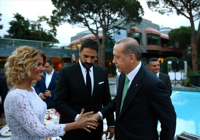 burcu-ve-gulben-erdogan-in-iftarinda-pisti-oldu-8542941_4293_m.jpg
