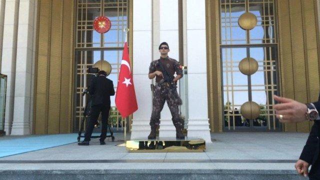erdogan-in-nazarbayev-i-karsiladigi-torende-bir-8676290_x_6801_o.jpg