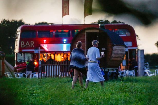 galler-de-acik-havada-cinsel-iliski-festivali-8585844_4013_m.jpg
