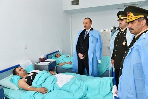 ilham-aliyev-yarali-askerleri-ziyaret-etti-6834677.jpeg