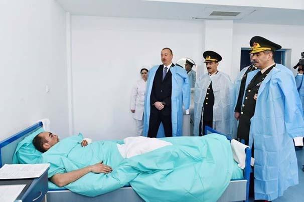 ilham-aliyev-yarali-askerleri-ziyaret-etti-6834679.jpeg