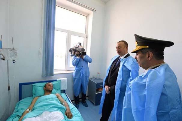 ilham-aliyev-yarali-askerleri-ziyaret-etti-6834683.jpeg