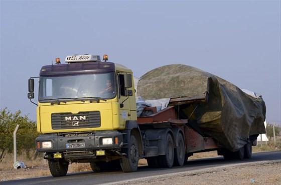 roketle-vurulan-tank-turkiye-ye-getirildi-2365959.jpeg