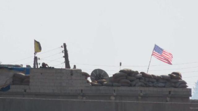 telabyad-da-evlerin-catisina-abd-bayraklari-a-8778586_o.jpg
